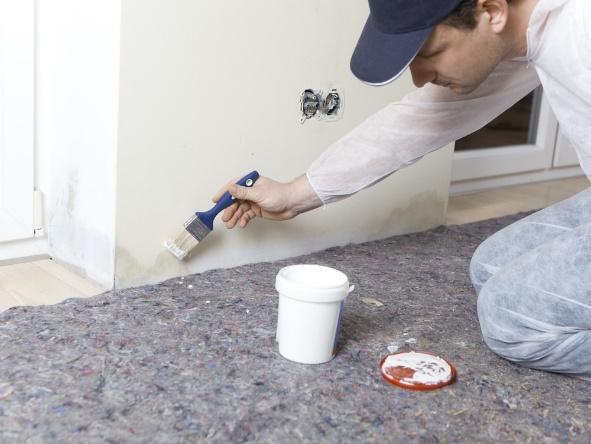 reparar humedades en paredes interiores